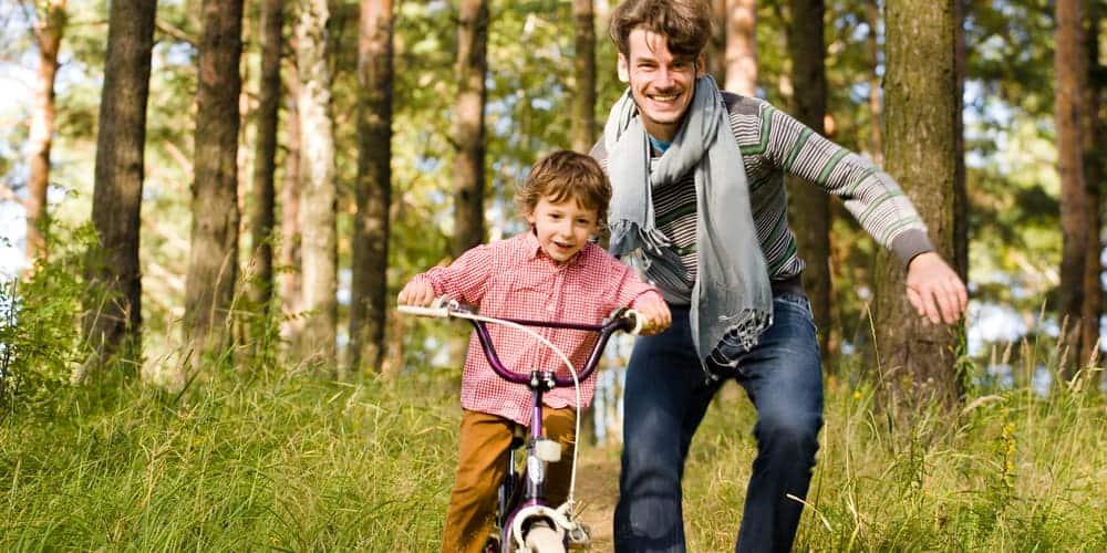 Lob wirkt entmutigend – Wie wir Kinder anders beflügeln können
